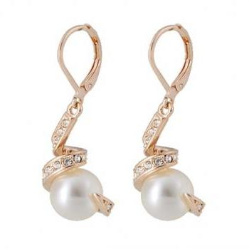 ITALINA Pearl &Crystal Stud Earrings (Gold)