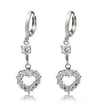 NEOGLORY Crystal Decoration Heart Shaped Earrings (Silver)